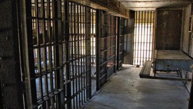 کورونا کے خدشات، شیریں مزاری کی سپریم کورٹ سے قیدیوں کی رہائی کی اپیل