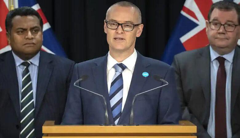 کورونا وائرس: نیوزی لینڈ کے وزیر صحت ڈیوڈ کلارک عہدے سے فارغ